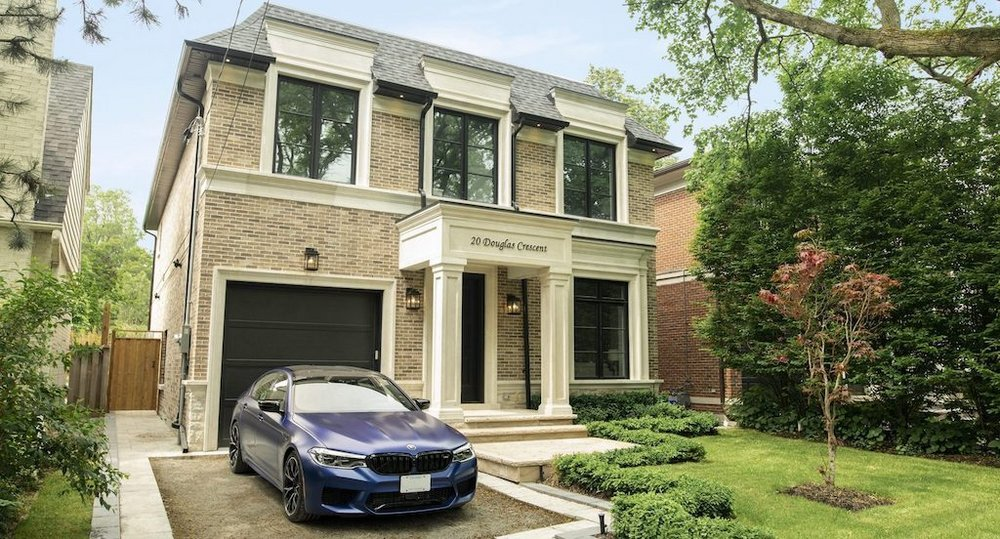 Body image for BMW turns show homes into showrooms to find wealthy buyers