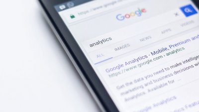 Strategist's Digest: Are search ads worth the cost?
