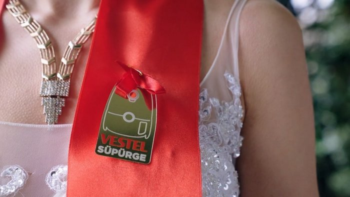 Turkish white-goods retailer strikes gold with wedding gift promo