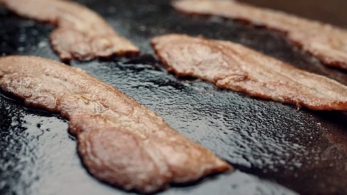 Meat wholesaler serves bacon pre-rolls in B2B campaign